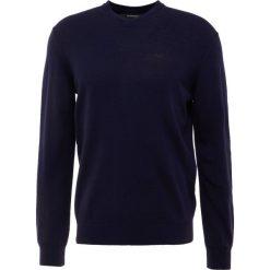 Emporio Armani Sweter blu. Szare swetry klasyczne męskie marki Emporio Armani, l, z bawełny, z kapturem. Za 669,00 zł.