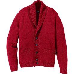 Sweter rozpinany Regular Fit bonprix ciemnoczerwony melanż. Czerwone kardigany męskie bonprix, l, melanż, ze skóry. Za 79,99 zł.