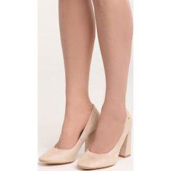Beżowe Czółenka Take No More. Brązowe buty ślubne damskie marki Born2be, na wysokim obcasie, na słupku. Za 79,99 zł.