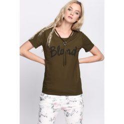 Ciemnozielona Bluzka Blonde. Zielone bluzki damskie Born2be, l. Za 39,99 zł.