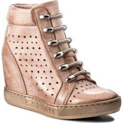 Sneakersy CARINII - B4304 L33-000-000-B88. Czerwone sneakersy damskie Carinii, ze skóry. W wyprzedaży za 259,00 zł.