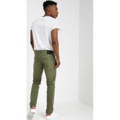 Scotch & Soda RALSTON GARMENT DYE COLOURS Jeansy Slim Fit military green. Brązowe jeansy męskie relaxed fit Scotch & Soda, z bawełny. Za 429,00 zł.