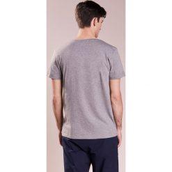 BOSS Orange TEW Tshirt z nadrukiem light pastel grey. Szare t-shirty męskie z nadrukiem BOSS Orange, m, z bawełny. Za 289,00 zł.