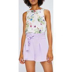 Answear - Szorty Violet Kiss. Szare bermudy damskie ANSWEAR, z tkaniny, casualowe, z podwyższonym stanem. W wyprzedaży za 79,90 zł.