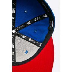New Era - Czapka. Niebieskie czapki z daszkiem męskie marki New Era, z poliesteru. W wyprzedaży za 119,90 zł.