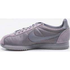 Nike Sportswear - Buty Classic Cortez Nylon. Szare halówki męskie Nike Sportswear, z materiału, na sznurówki. W wyprzedaży za 299,90 zł.