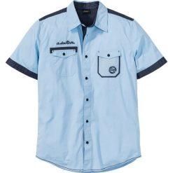 Koszula z krótkim rękawem bonprix jasnoniebieski. Niebieskie koszule męskie na spinki bonprix, m, z haftami, z kontrastowym kołnierzykiem, z krótkim rękawem. Za 37,99 zł.