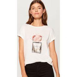 Koszulka oversize - Biały. Białe t-shirty damskie marki Mohito, l. Za 59,99 zł.