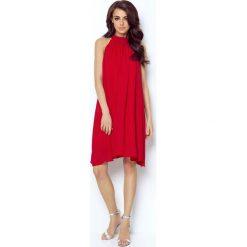 Czerwona Zwiewna Koktajlowa Sukienka z Dekoltem Halter na Stójce. Czerwone sukienki balowe marki Molly.pl, na imprezę, l, z tkaniny, z dekoltem halter, dopasowane. Za 239,90 zł.