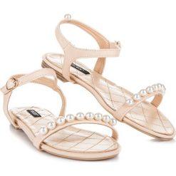 Rzymianki damskie: Płaskie sandałki z koralikami NINETTE