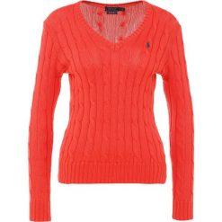Polo Ralph Lauren KIMBERLY Sweter tomato. Czerwone swetry klasyczne damskie Polo Ralph Lauren, m, z bawełny, polo. Za 589,00 zł.