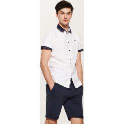 Koszula z kontrastowymi detalami - Biały. Szare koszule męskie marki House, l, z bawełny. W wyprzedaży za 49,99 zł.