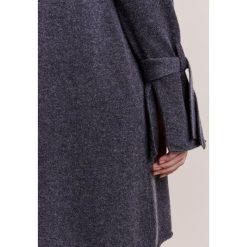 Sukienki dzianinowe: FTC Cashmere Sukienka dzianinowa shale