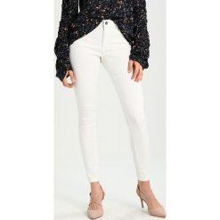 Kaffe GRACE  Jeans Skinny Fit optical white. Białe boyfriendy damskie Kaffe. Za 249,00 zł.