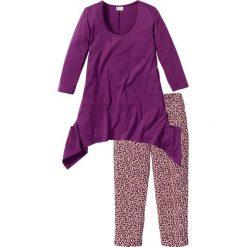 Piżamy damskie: Piżama ze spodniami 3/4 i shirtem z dłuższymi bokami bonprix fiołkowy z nadrukiem