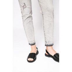 Medicine - Jeansy Nocturne. Szare jeansy damskie MEDICINE, z bawełny. W wyprzedaży za 79,90 zł.