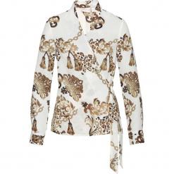 Bluzka z nadrukiem bonprix biel wełny z nadrukiem. Białe bluzki z odkrytymi ramionami marki bonprix, z nadrukiem, z wełny, z kopertowym dekoltem. Za 99,99 zł.