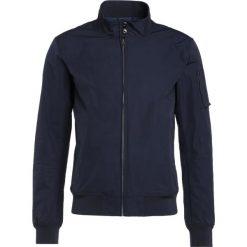 CLOSED Kurtka Bomber navy. Niebieskie kurtki męskie bomber marki CLOSED, m, z materiału. W wyprzedaży za 642,95 zł.