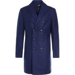 DRYKORN HAWERA Krótki płaszcz navy. Niebieskie płaszcze wełniane męskie marki DRYKORN, m. W wyprzedaży za 1007,20 zł.