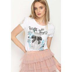 Biały T-shirt Perfume. Białe t-shirty damskie Born2be, l, z nadrukiem, z koronki, z okrągłym kołnierzem. Za 49,99 zł.