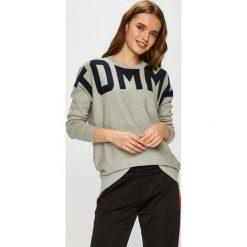 Tommy Hilfiger - Sweter. Szare swetry klasyczne męskie TOMMY HILFIGER, m, z bawełny, z okrągłym kołnierzem. Za 539,90 zł.
