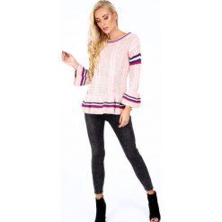 Sweter z falbaną jasnoróżowy RR20069. Czerwone swetry klasyczne damskie Fasardi, l. Za 179,00 zł.