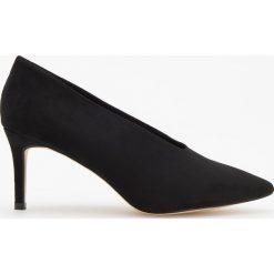 Czółenka na średnim obcasie - Czarny. Czarne buty ślubne damskie marki Kazar, ze skóry, na wysokim obcasie, na obcasie. Za 119,99 zł.