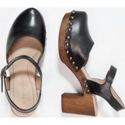 Buty ślubne damskie: Ten Points EVA Czółenka na platformie black