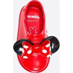 Melissa - Tenisówki dziecięce Be + Minnie Mouse. Czerwone buty sportowe dziewczęce marki Melissa, z kauczuku. W wyprzedaży za 239,90 zł.