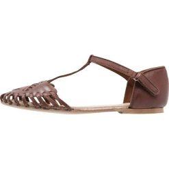 Friboo Sandały brown. Czerwone sandały chłopięce marki Friboo, z materiału. Za 129,00 zł.