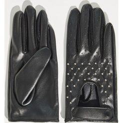 Rękawiczki z małymi nitami - Czarny. Czarne rękawiczki damskie Sinsay. Za 29,99 zł.