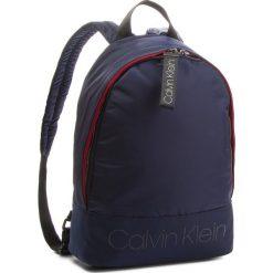 Plecak CALVIN KLEIN - Shadow Round Backpac K50K503905 443. Niebieskie plecaki męskie Calvin Klein, z materiału. Za 449,00 zł.