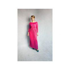 SUKIENKA LONG MAXI FUKSJA. Czerwone długie sukienki marki Lemoniade, na imprezę, z satyny, z kopertowym dekoltem, z długim rękawem, kopertowe. Za 125,30 zł.