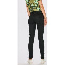 Pepe Jeans - Jeansy. Czarne jeansy męskie skinny Pepe Jeans. Za 359,90 zł.