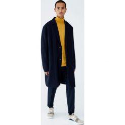 Granatowy płaszcz z flauszu. Brązowe płaszcze na zamek męskie marki Cropp, na zimę, l, sportowe. Za 299,00 zł.