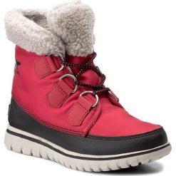 Śniegowce SOREL - Cozy Carnival NL2297 Candy Apple/Black 645. Czerwone buty zimowe damskie Sorel, z gumy. W wyprzedaży za 319,00 zł.