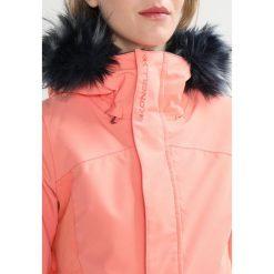 O'Neill SIGNAL Kurtka snowboardowa fusion coral. Pomarańczowe kurtki damskie narciarskie O'Neill, xl, z materiału. W wyprzedaży za 607,20 zł.