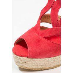 Kanna BERTI Sandały na obcasie rojo. Czerwone sandały damskie Kanna, z materiału, na obcasie. Za 439,00 zł.