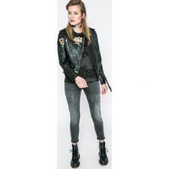 Mustang - Jeansy Jasmin Button. Niebieskie jeansy damskie rurki marki Mustang, z aplikacjami, z bawełny. W wyprzedaży za 219,90 zł.