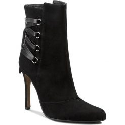 Botki NEŚCIOR - 104-B Czarny Zamsz. Czarne buty zimowe damskie Neścior, ze skóry, na obcasie. W wyprzedaży za 309,00 zł.