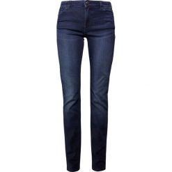 Emporio Armani Jeansy Slim Fit rinsed. Niebieskie jeansy damskie marki Emporio Armani, z bawełny. W wyprzedaży za 344,50 zł.