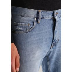 Tiger of Sweden Jeans PISTOLERO Jeansy Slim Fit light blue. Niebieskie jeansy męskie relaxed fit marki Tiger of Sweden Jeans, z bawełny. W wyprzedaży za 359,50 zł.