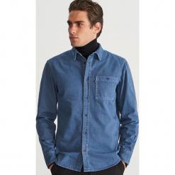 Jeansowa koszula regular fit - Niebieski. Niebieskie koszule męskie jeansowe Reserved, l. Za 119,99 zł.