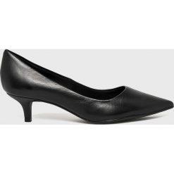 Answear - Czółenka Heritage. Szare buty ślubne damskie marki ANSWEAR, z materiału, na szpilce. W wyprzedaży za 164,90 zł.