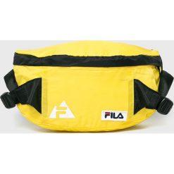 Fila - Nerka. Żółte walizki marki Fila, w paski, z materiału. W wyprzedaży za 69,90 zł.