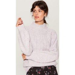 Sweter z domieszką wełny - Fioletowy. Fioletowe swetry klasyczne damskie marki Mohito, m, z wełny. Za 159,99 zł.