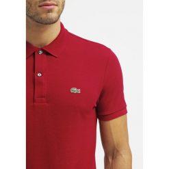 Lacoste SHORTSLEEVE SLIM FIT Koszulka polo bordeaux. Czerwone koszulki polo Lacoste, m, z bawełny. Za 389,00 zł.