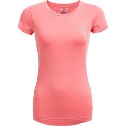 Koszulka treningowa damska TSDF601 - łososiowy - Outhorn. Czerwone topy sportowe damskie Outhorn, z materiału. W wyprzedaży za 39,99 zł.