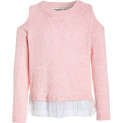 Abercrombie & Fitch BACK DETAIL Sweter pink. Czerwone swetry klasyczne damskie Abercrombie & Fitch, z bawełny. W wyprzedaży za 126,75 zł.