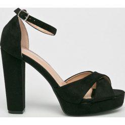 Answear - Sandały Fersini. Szare sandały damskie na słupku ANSWEAR, z materiału. W wyprzedaży za 89,90 zł.